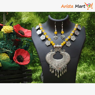 Yellow Artificial Pearls Necklace For Women