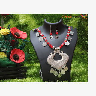 Red  Artificial Pearls Necklace For Women